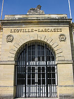 150px-Chateau_Leoville_Las_Cases_Entrance