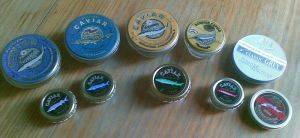 800px-Caviar_tins_(Russian_and_Iranian)_(cropped)